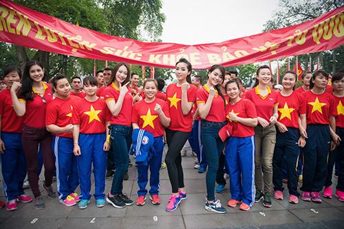 Bán áo cờ đỏ sao vàng tại Quận Hoàn Kiếm